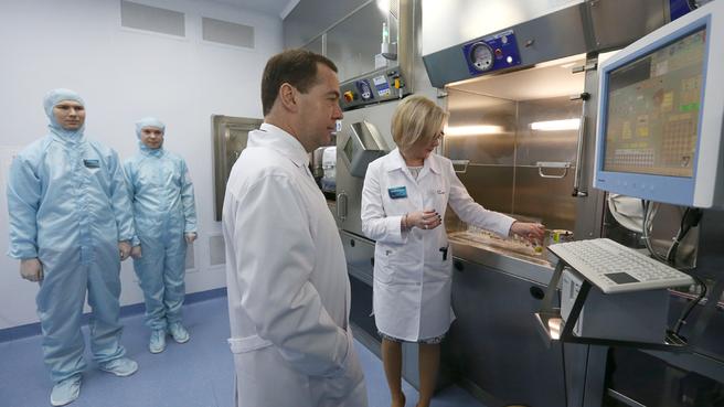 Посещение Центра ядерной медицины в Уфе. Осмотр радиохимической лаборатории