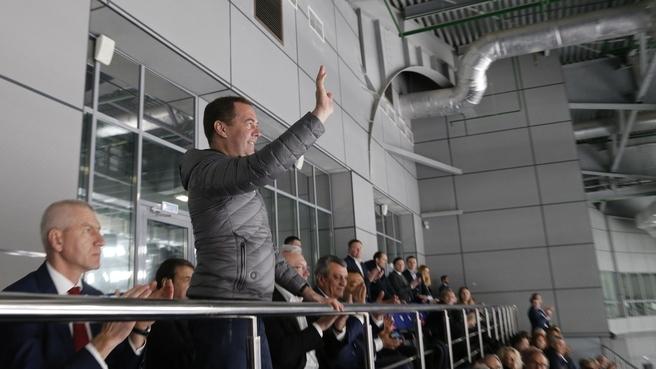Посещение хоккейного матча в ледовом дворце «Кристалл арена»