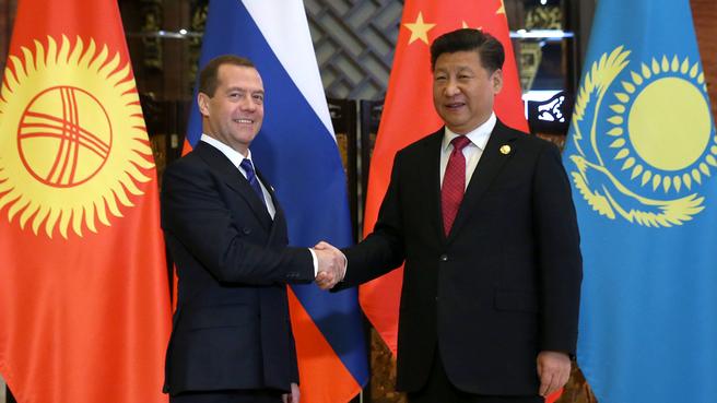 Перед началом встречи глав правительств государств – членов ШОС с Председателем КНР Си Цзиньпином
