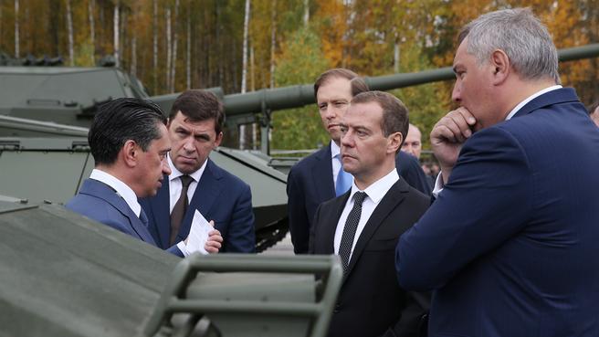 С Дмитрием Рогозиным и Денисом Мантуровым на Х Международной выставке вооружения в Нижнем Тагиле