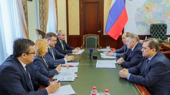 Встреча члена коллегии Военно-промышленной комиссии Вячеслава Шпорта с губернатором Рязанской области Николаем Любимовым