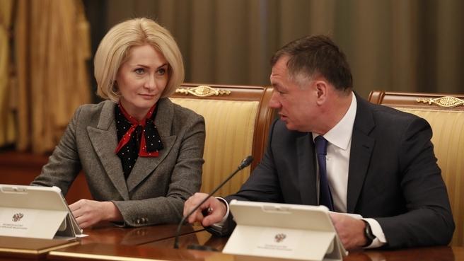 Заместитель Председателя Правительства Виктория Абрамченко и Заместитель Председателя Правительства Марат Хуснуллин на заседании Правительства
