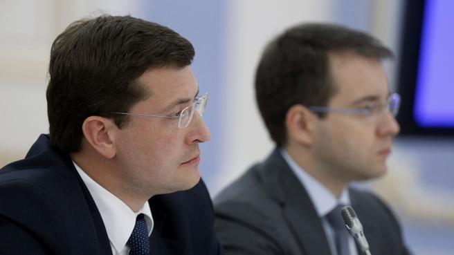 Первый заместитель Министра промышленности и торговли Глеб Никитин и глава Минкомсвязи Николай Никифоров