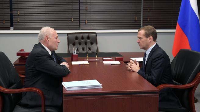 Встреча Дмитрия Медведева с губернатором Магаданской области Владимиром Печёным
