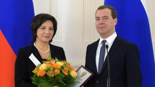 С главным редактором газеты «Рассвет» Инной Свердлюковской