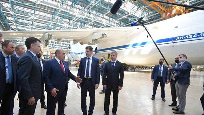 Михаил Мишустин посетил производственный комплекс «Авиастар-СП» в Ульяновске