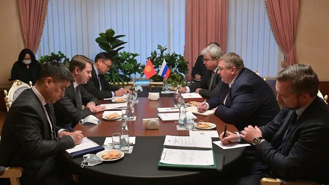 Алексей Оверчук встретился с Первым вице-премьер-министром Киргизской Республики Артёмом Новиковым