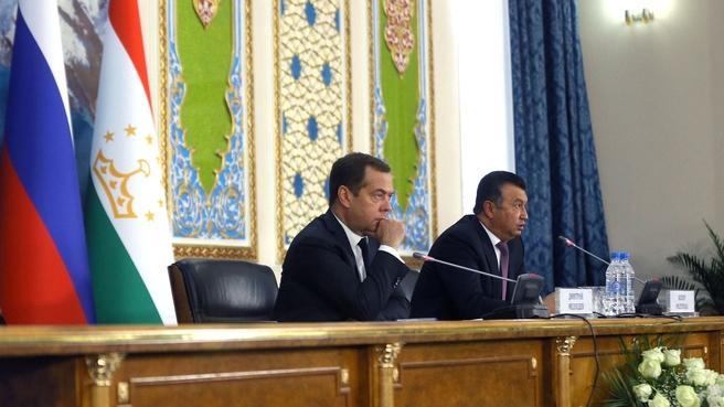 Пресс-конференция Дмитрия Медведева и Кохира Расулзода