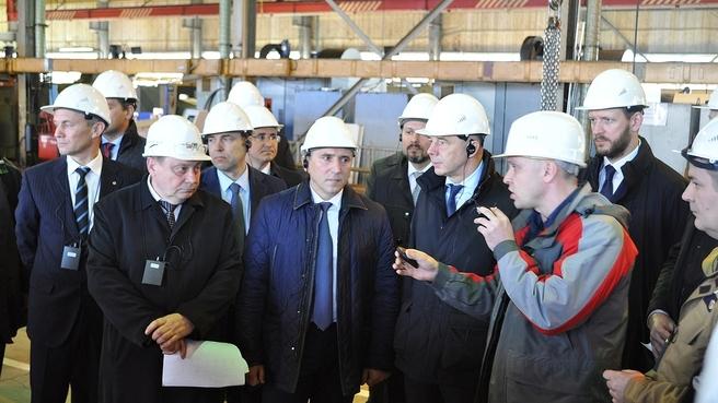 Антон Силуанов во время посещения предприятия АО «Сибнефтемаш» в Тюмени