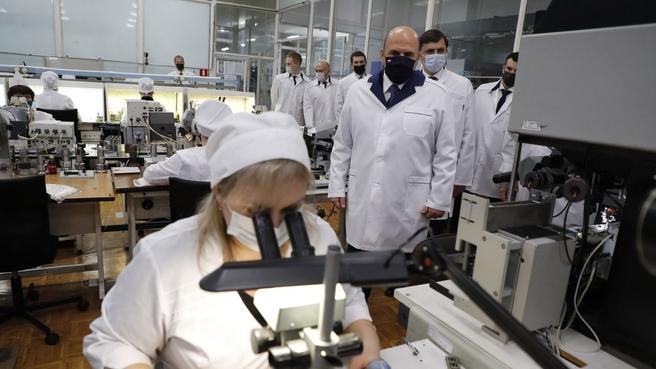 Михаил Мишустин ознакомился с производством АО «Протон»