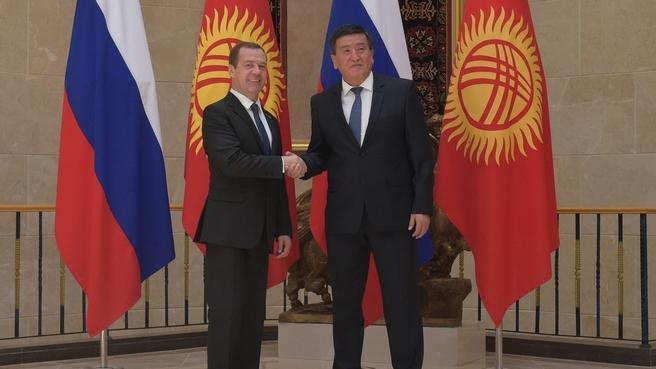 Дмитрий Медведев и премьер-министр Киргизии Сооронбай Жээнбеков