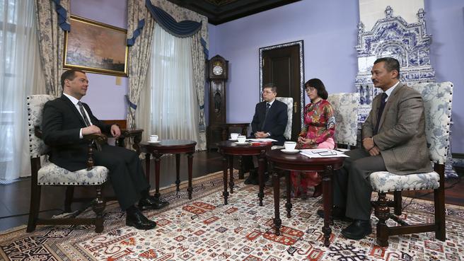 Dmitry Medvedev's interview with Vietnamese media
