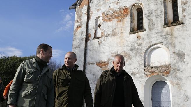 Поездка в Новгородскую область. Озеро Ильмень, церковь Николы на Липне
