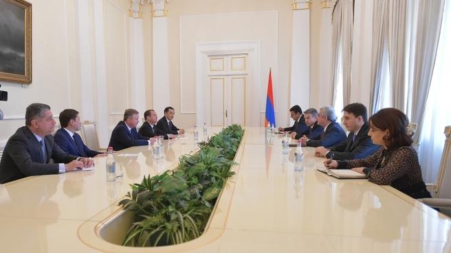 Встреча глав делегаций - участников заседания Евразийского межправительственного совета с Президентом Республики Армения Сержем Саргсяном