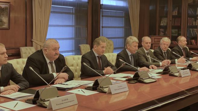 Юрий Трутнев провёл совещание о ходе экспериментального рейса по Северному морскому пути