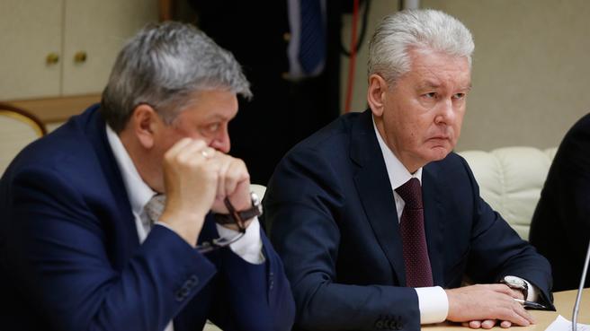 Руководитель Федеральной службы государственной статистики Александр Суринов и мэр Москвы Сергей Собянин