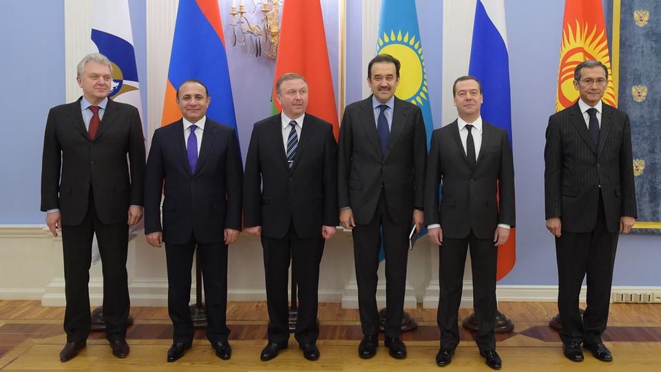 Совместное фотографирование участников первого заседания Евразийского межправительственного совета