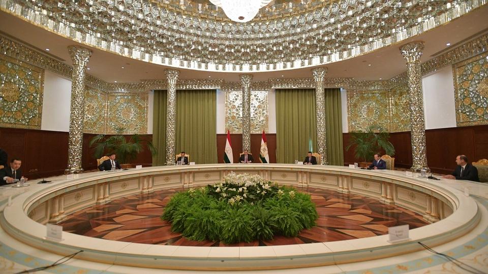 Встреча глав делегаций государств-членов ШОС с Президентом Таджикистана Эмомали Рахмоном