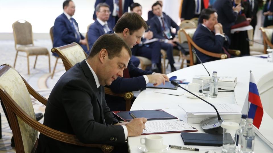 Подписание принятых по итогам заседания Евразийского межправительственного совета документов