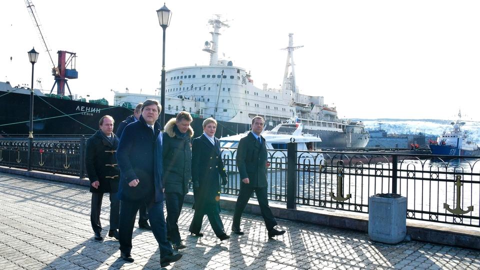 Во время осмотра акватории порта и инфраструктурных объектов Мурманского транспортного узла