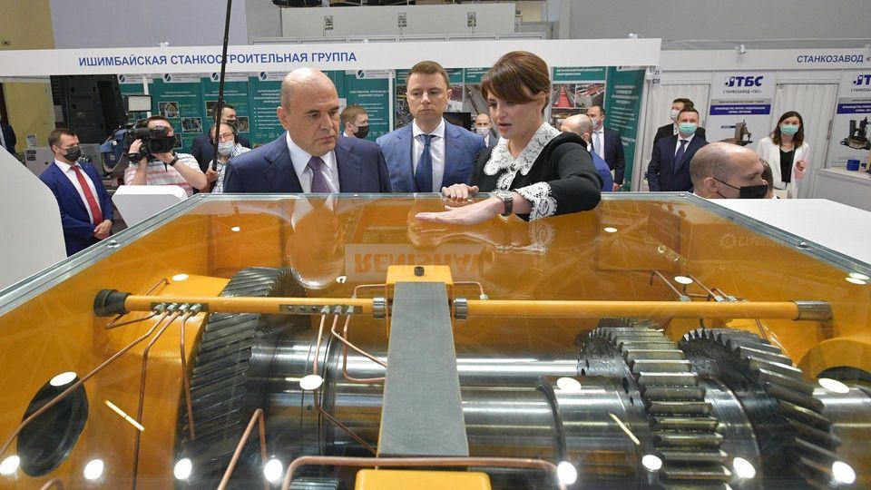 Михаил Мишустин на международной специализированной выставке «Металлообработка-2021». Стенд  ОАО «Саста»