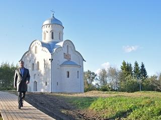 Поездка Дмитрия Медведева в Новгородскую область
